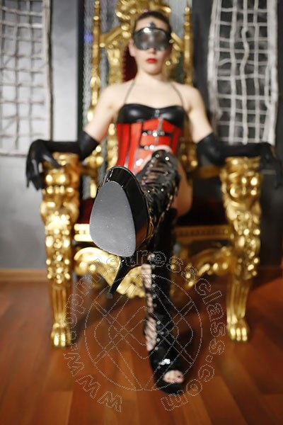 Mistress Lady Kalisi  VICENZA Torno presto